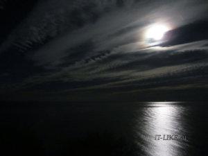 Небо ночью на море в Крыму