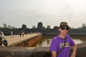 Общая площаль Ангкора - 200 кв. км!!!